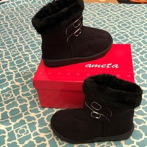 Girls Ankle High Fashion Boots